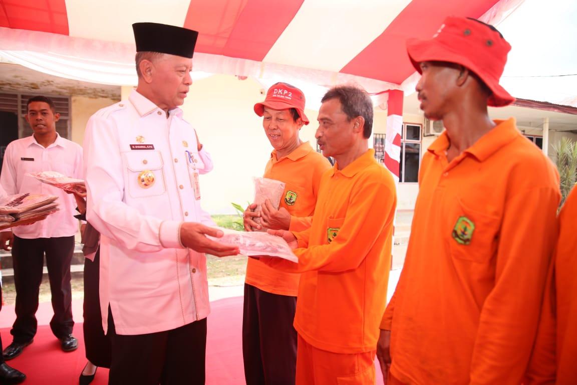 Syahrul-Rahma Silaturahmi Bersama Petugas Kebersih...